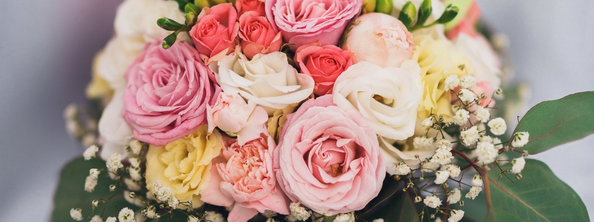 bouquet-roses-wedding-buket-svadba-rozy-eustoma-freziia.jpg